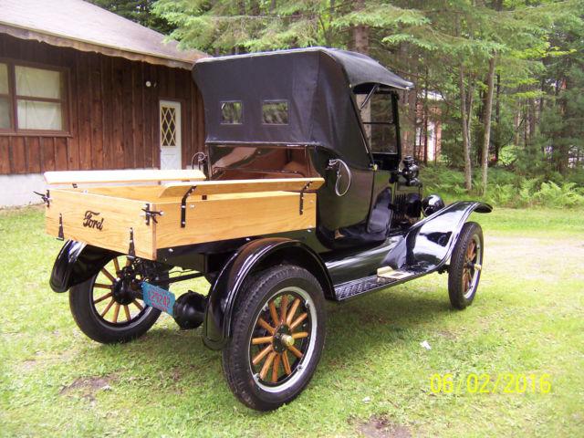 1923 Ford Model T Roadster Pickup.jpg