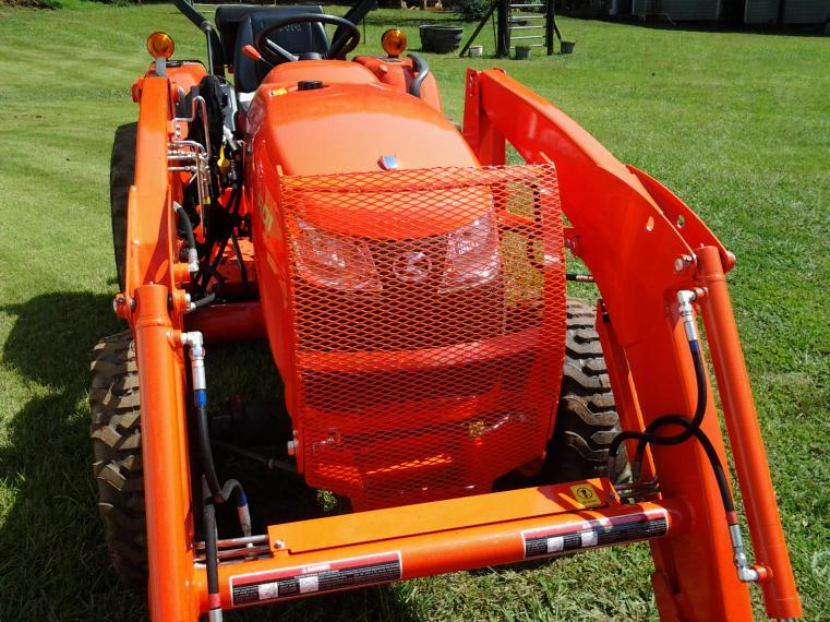 Added mesh to grille guard on L3901 - OrangeTractorTalks
