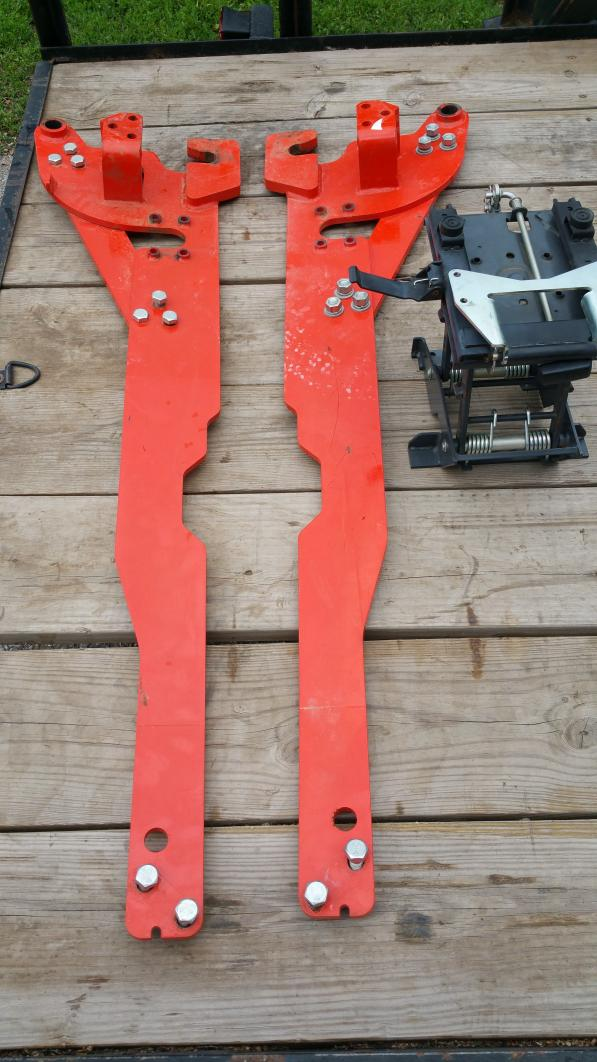 L3560 backhoe subframe - OrangeTractorTalks - Everything Kubota