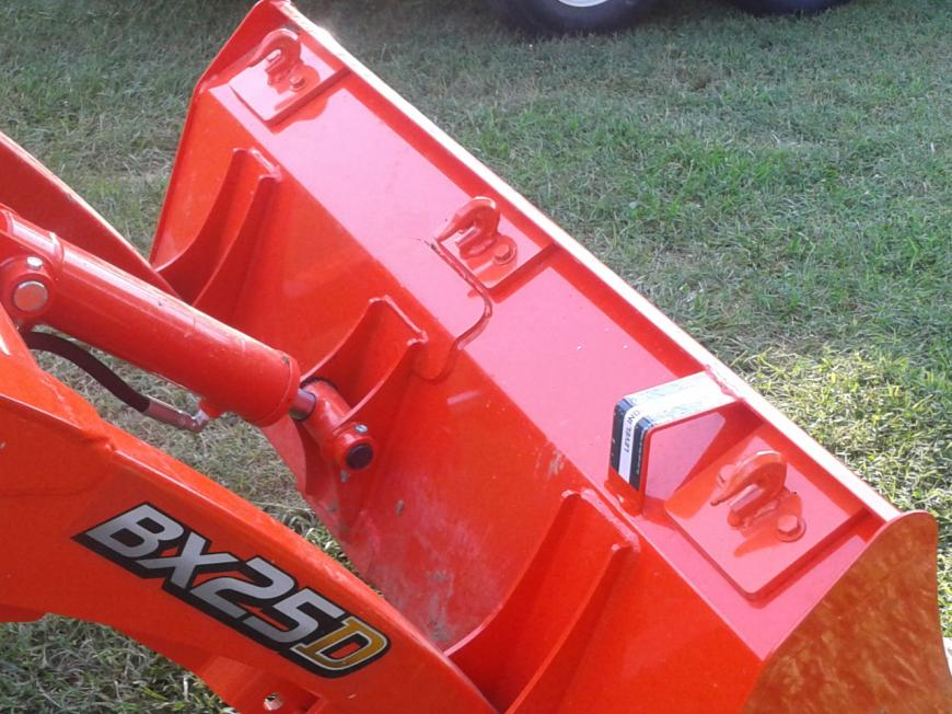 Hooks and Clevis for a LA764 loader / LA2256 bucket