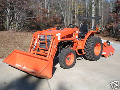 This week's featured eBay tractor is a L3400DT from Atlanta - very low hours and comes fully equipped with front end loader, box scraper, mower deck, pallet forks and a post hole digger.