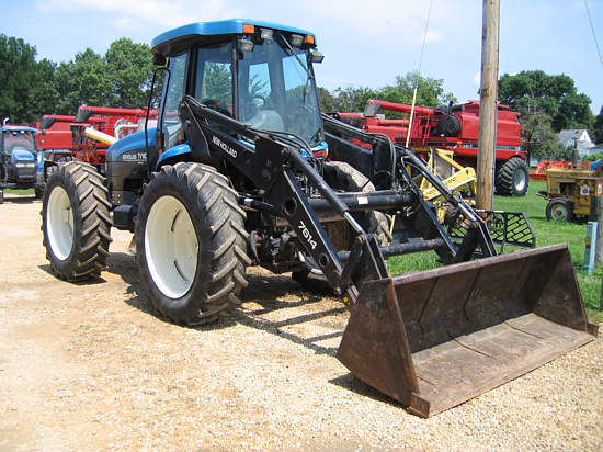 The Ford-New Holland TV-140 - a result of redesigning and bringing the bidirectional tractor into the 20th century.