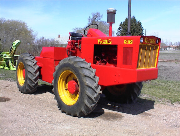 The D100, the world's first mass-produced 4WD farm tractor. Produced by Versatile in 1965.